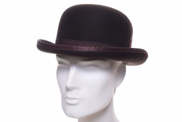 Bailey Bowler hat Derby braun